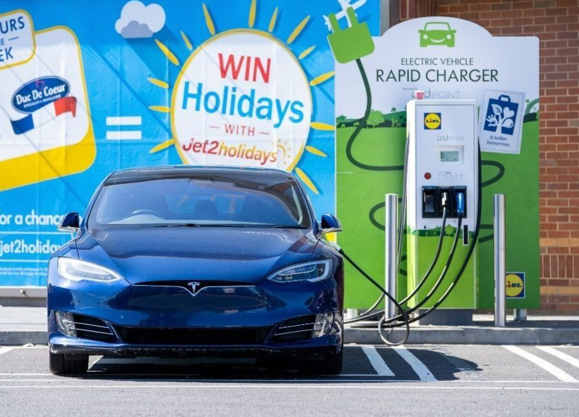 Lidl Pod Point Rapid Charger with Tesla