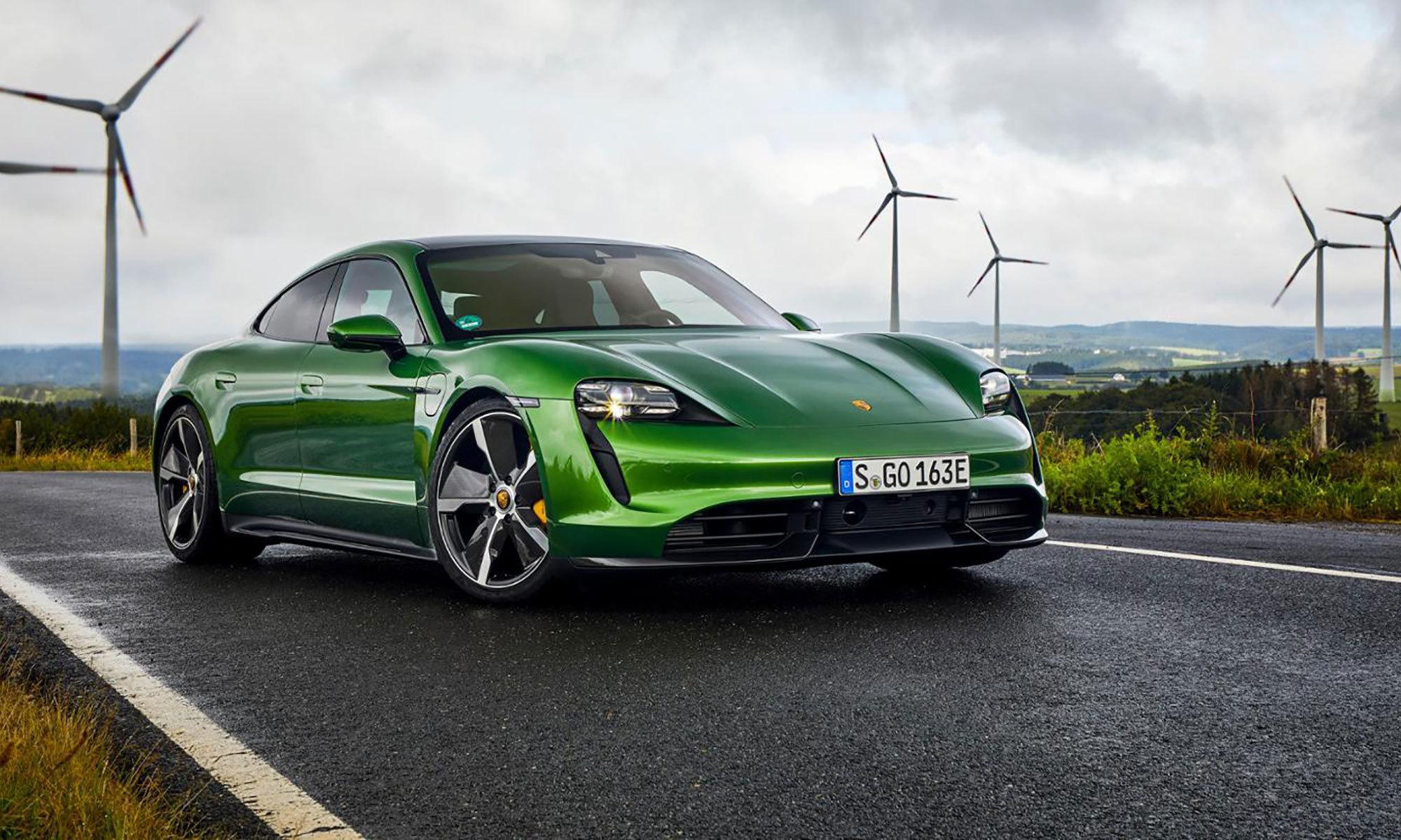 Porsche Taycan Lifestyle